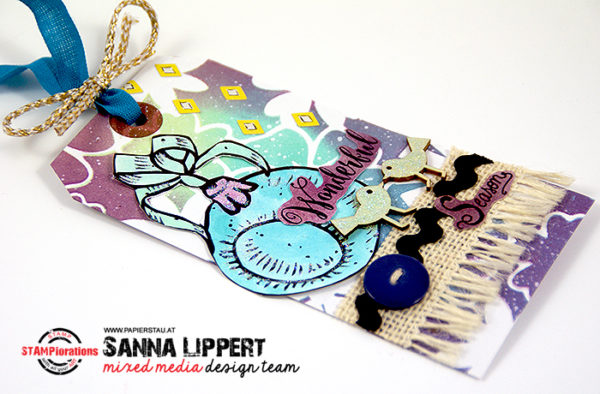 Sanna LIppert - christmas tag with stencils